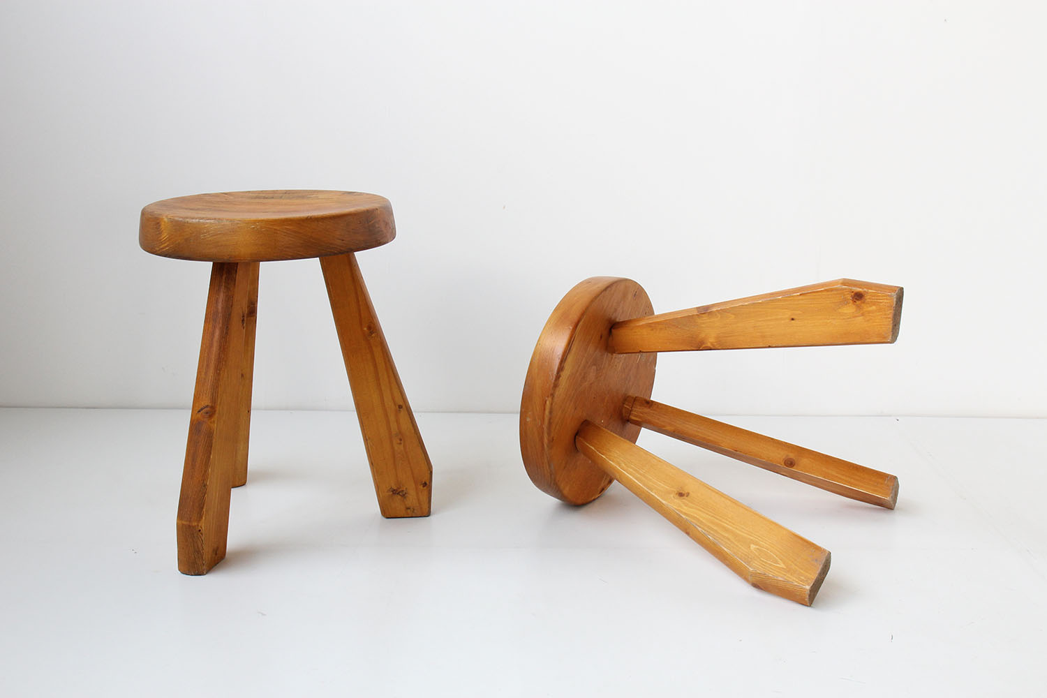 Tabouret perriand